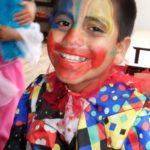 """Les enfants apprennent aussi les codes du """"spectacle vivant"""" : maquillage, costumes, mise en scène."""