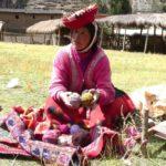 Des femmes qui ne parlent que Quechua nous présentent leur travail